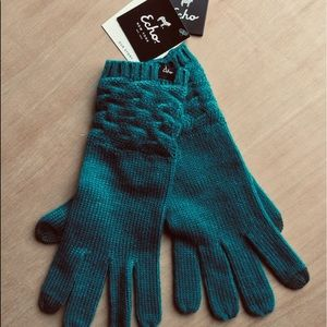 NWT Echo Design Touchscreen gloves teal blue green